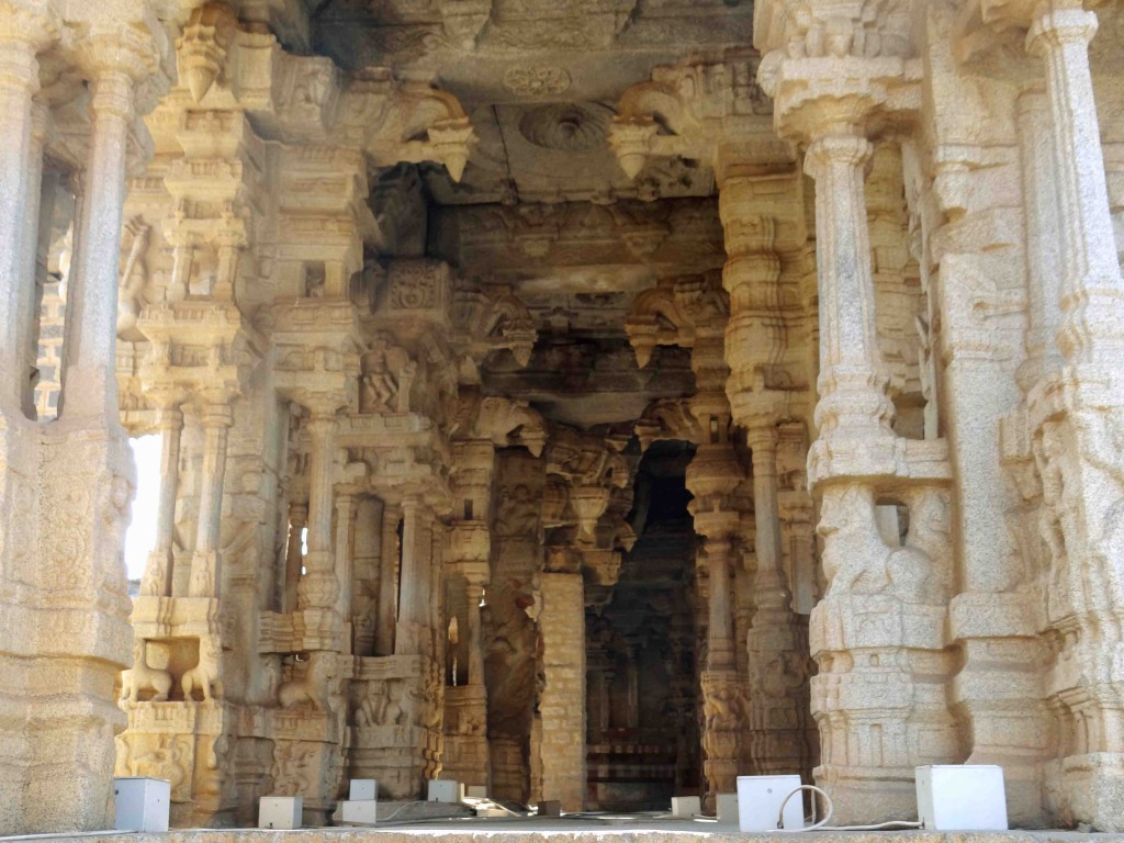 dance stage,hampi,karnataka,history,culture,heritage,Vijayangar kingdom
