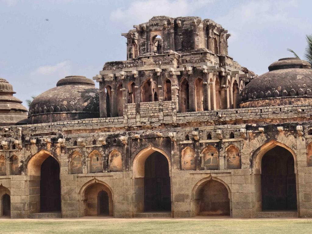 hampi,karnataka,history,culture,heritage,Vijayangar kingdom,elephant stable