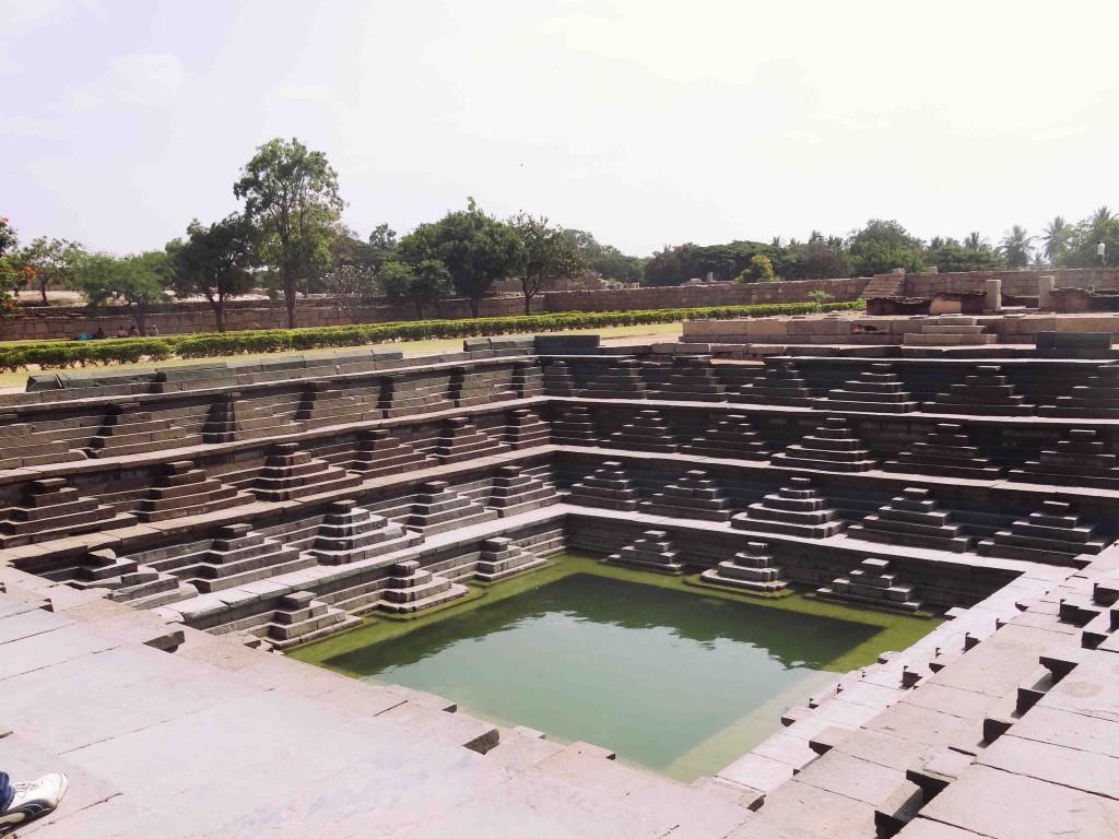 hampi,karnataka,history,culture,heritage,Vijayangar kingdom,sculpture,art,kalyani