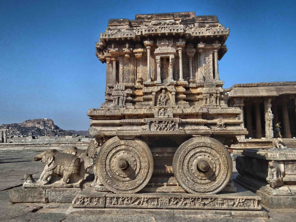 hampi,karnataka,history,culture,heritage,Vijayangar kingdom,sculpture,art,stone chariot